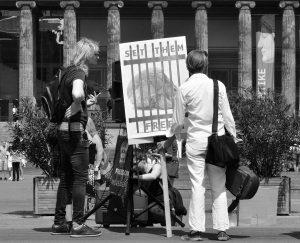 Menschliche Gebeine - Human Remains - Berlin Postkolonial - Just Listen - Copyright Yusuf Beyazit